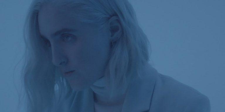 """Shura delar video för den nya låten """"besatthet"""": Titta"""
